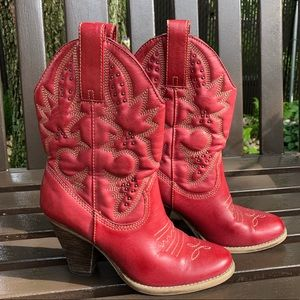Mia Laredo red cowboy boots